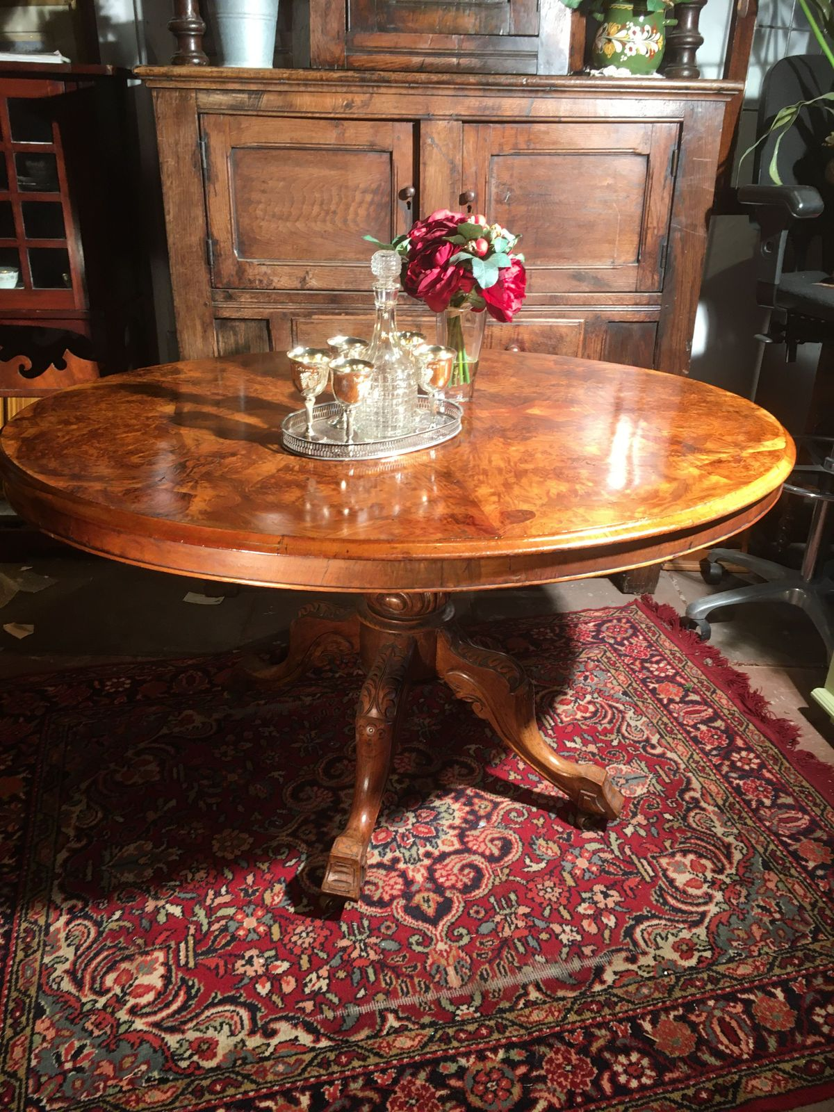 Antique walnut loo table €425